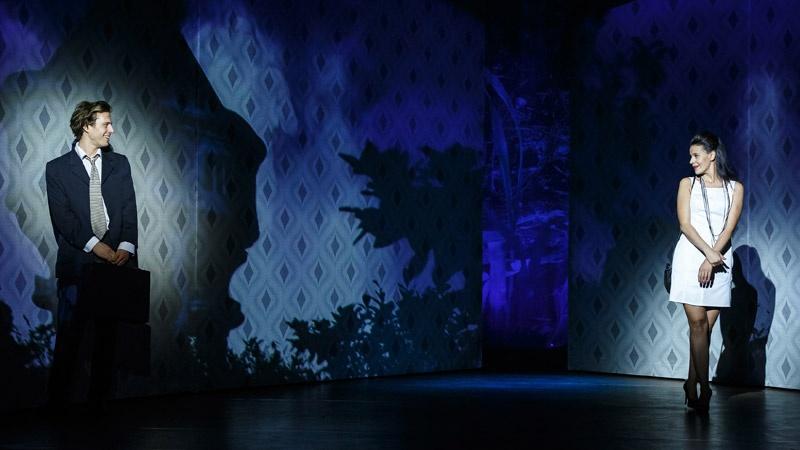 Wunderlich József, Tornyi Ildikó, Fejes Endre - Presser Gábor: Jó estét nyár, jó estét szerelem, Pesti Színház - Fotó: Dömölky Dániel (forrás: Vígszínház)